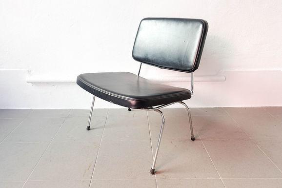 Prestigio Low Chair by Daciano da Costa for Metalurgica da Longra