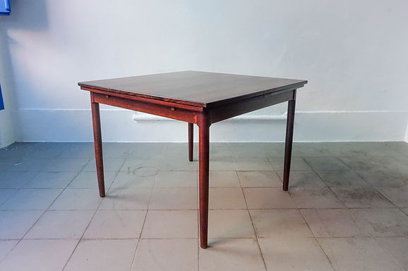 Extendable Rosewood Dinning Table