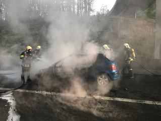 Autobahn-Fahrzeugbrand