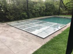 cubierta transparente de piscina