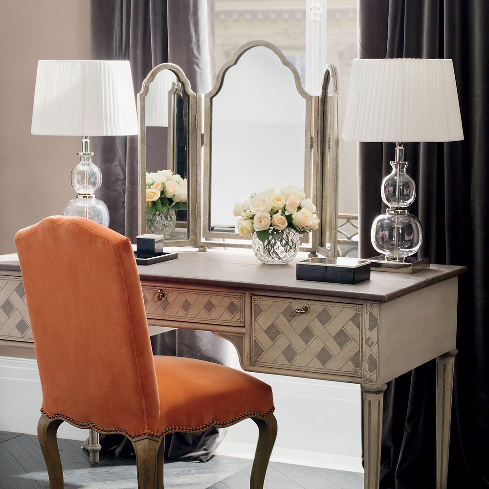 Triptych mirror on dressing table