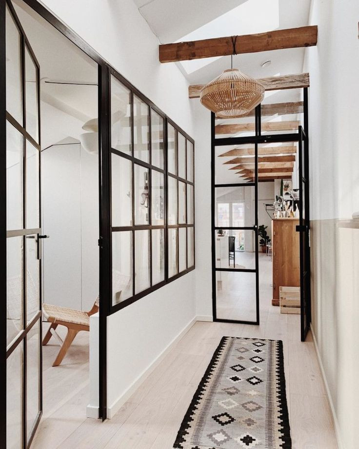 Use of Steel and Iron in Industrial Style Houses
