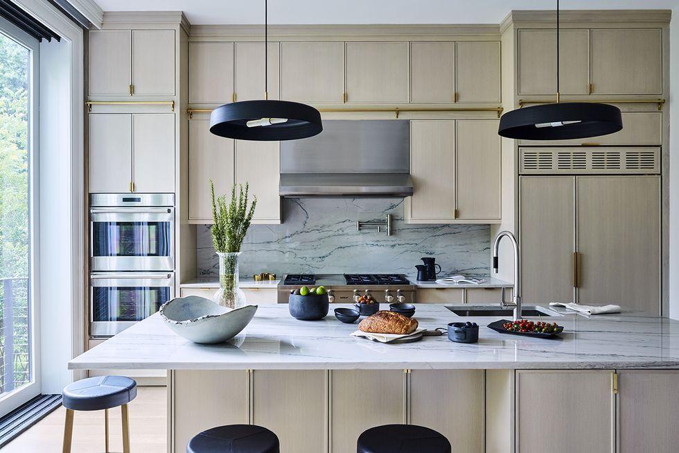 Mono-toned Modern Kitchen