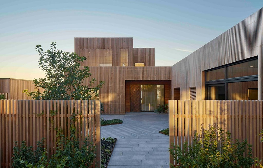 Use of warm and natural materials in house exterior