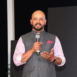 Murali Karthik speaking in Press meet
