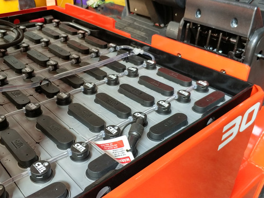 STEPS TO FORKLIFT BATTERY MAINTENANCE