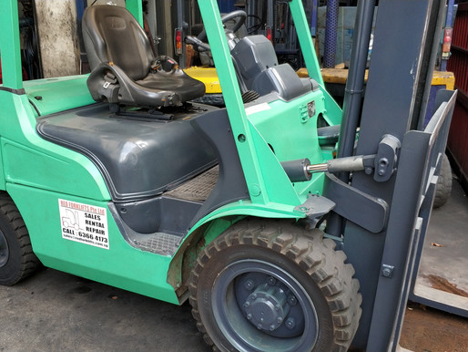 Should you Rent or Buy a Forklift in Singapore ?