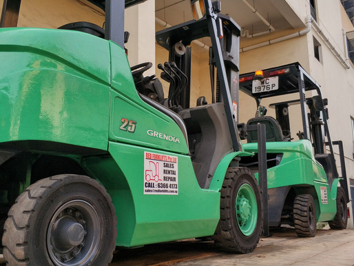 Should We Rent or Buy our Forklifts in Singapore ?