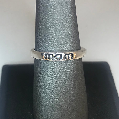 Engraved silver band (mom)