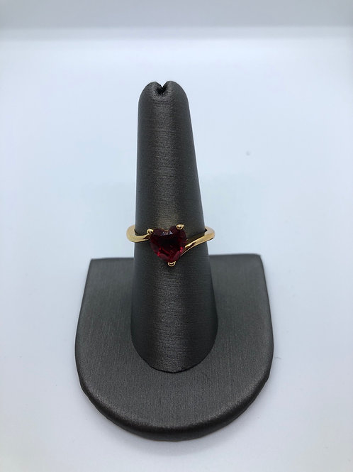 Red heart gold ring