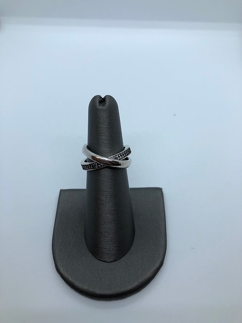 Interlinked ring