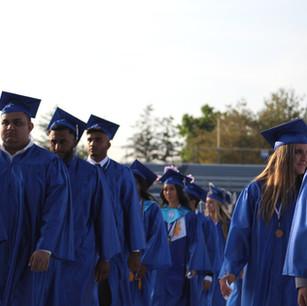 Graduating Glads Say Goodbye