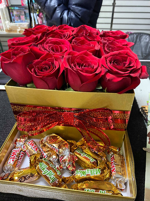Roses in box with chocolate (BIG BOX)