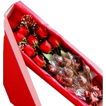 Dozen roses 🌹 Dozen strawberry chocolate cover box