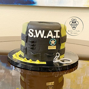 Custom S.W.A.T. cake 🚓👮🏻♂️ . . . .