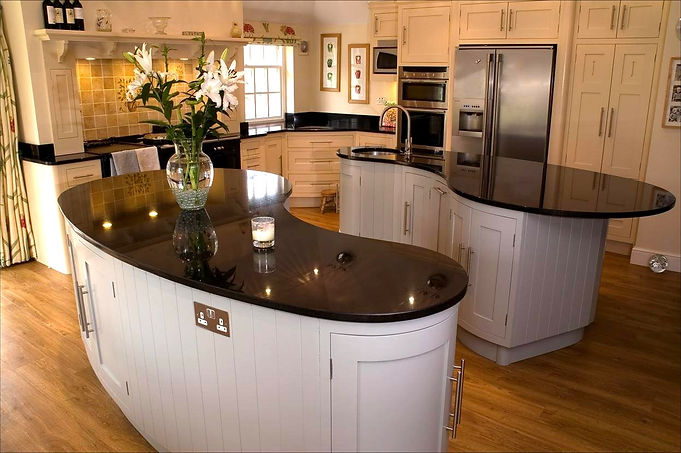 Beautiful, traditional and creative kitchen and furniture painting services - Hampshire | Surrey | Sussex | Berkshire | Wiltshire | Dorset | London - The Painted Cabinet