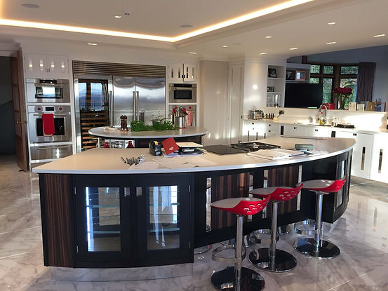 The Painted Cabinet - Beautiful, traditional and creative kitchen and furniture painting services - Hampshire | Surrey | Sussex |Berkshire | Wiltshire| Dorset| London