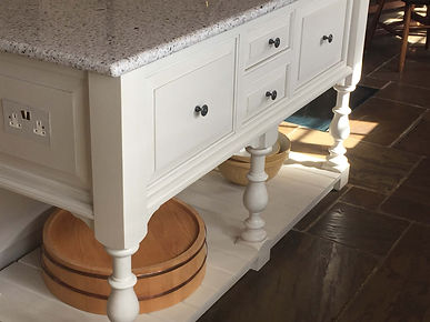 Hand-painted furniture services - The Painted Cabinet - Hampshire | Surrey | Sussex | Berkshire | Wiltshire | Dorset | London