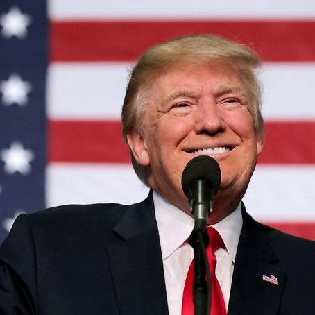 Именинники: 45-ый президент Америки, ветеран блогинга и главная красавица российского ТВ