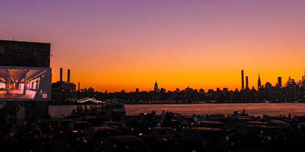 Manhattan Skyline Outdoor Movie & Dinner Picnic