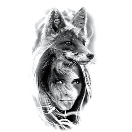 fox woman | אשת שועל