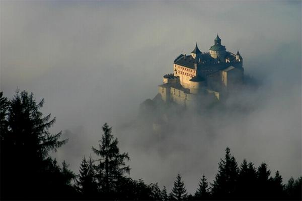 Крепость Хоенверфен. Соколиная охота