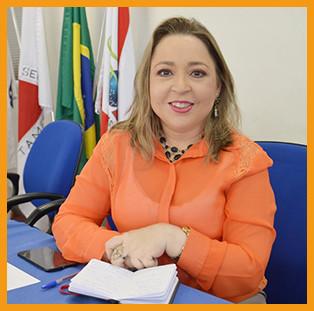 Ana Lucia Oliveira