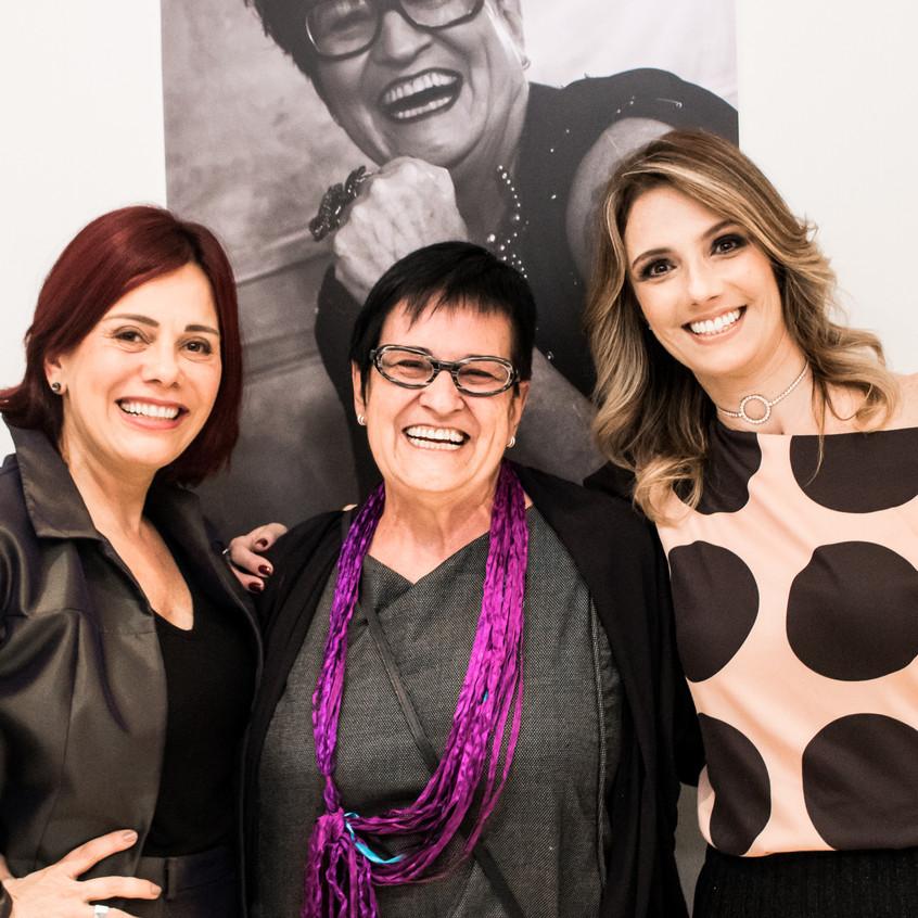 Miriam Lima, Angela Azevedo e Fernanda Comelli no lançamento da Exposição Retratos Inclusivos no DiamondMall.