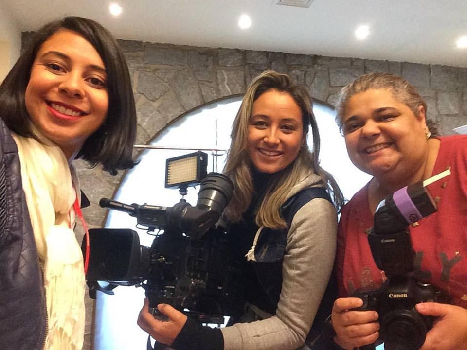 Andreza Brito e Naiara Guimarães da TV Minas e a fotografa Kica de Castro.