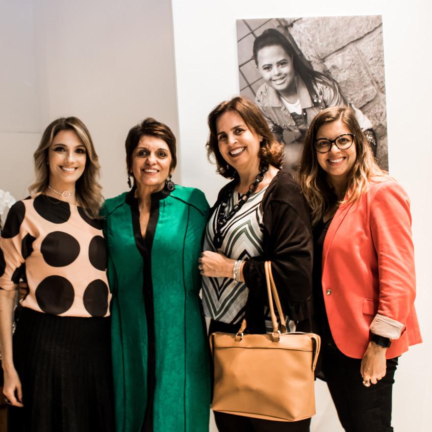 Fernanda Comelli, Odete Castro, Vanessa Toledo e Flávia Louzada.