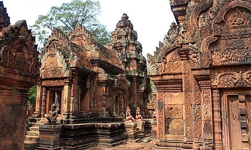Banteay_Srei_Cambodia.jpg