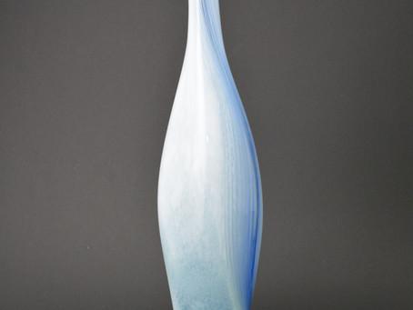 青のガラス展