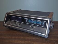 GE Digital Vintage Clock Radio
