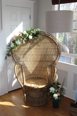 Deluxe Peacock Chair