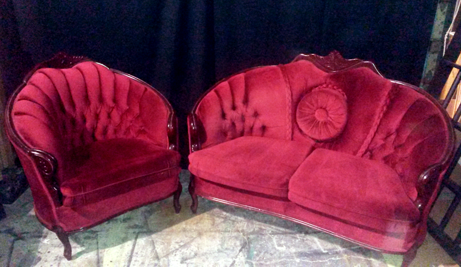 Love Seat Chair Set - Button Pillow