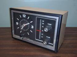 GE Vintage Clock Radio 70s