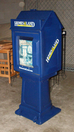 Newspaper Stand closed plastic no coin b