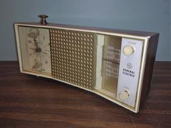 GE Vintage Clock Radio