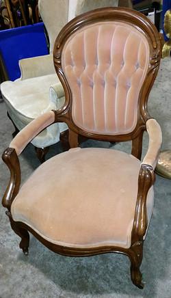 Ivory/Peach Victorian Chair
