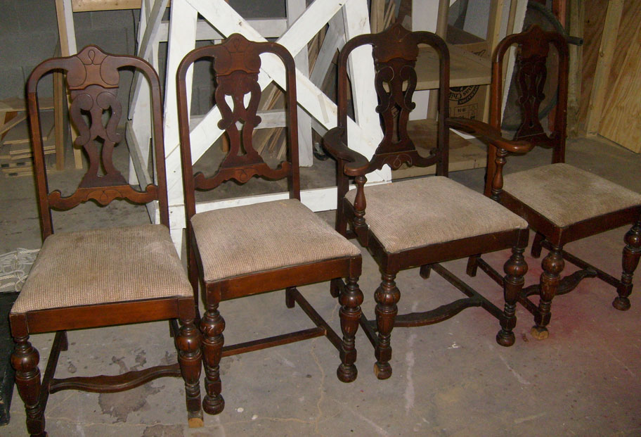 Chairs - Dining set of 4 Vintage Wood