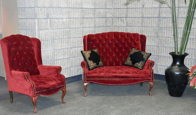 Love Seat Chair Set red tufted
