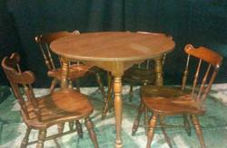 Round Maple Kitchen Table