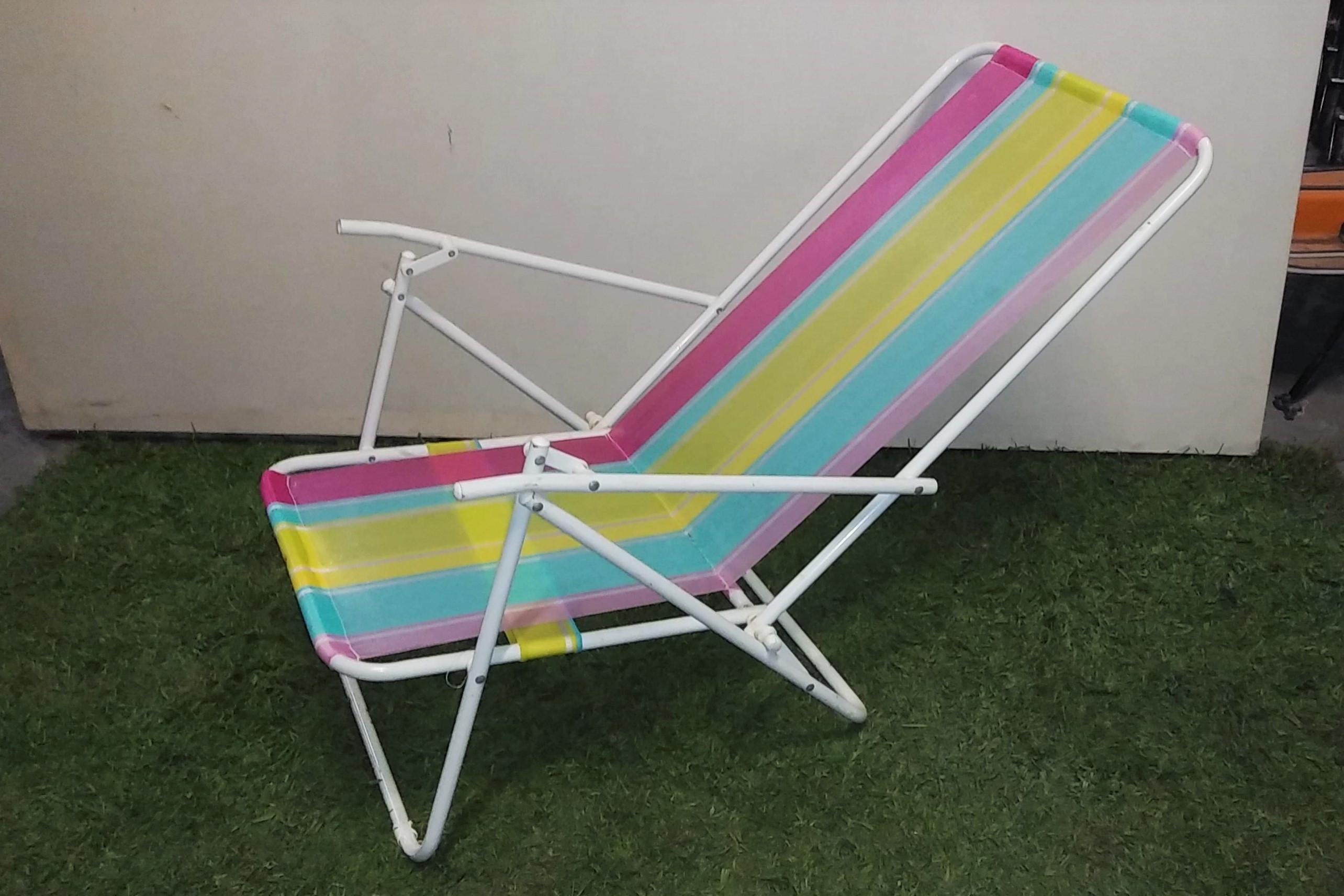 Lawn Lounge Chair