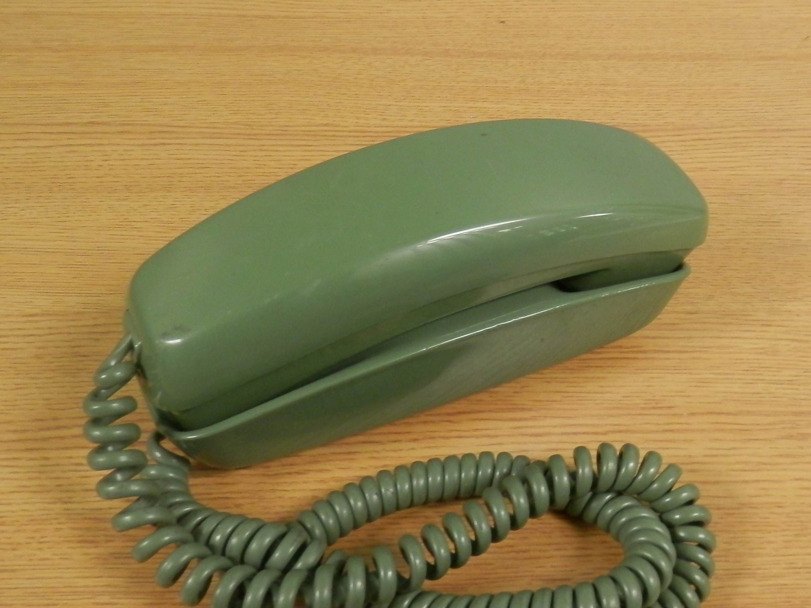 Trimline Phone olive green