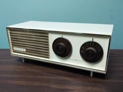Vintage Zenith Radio - off white
