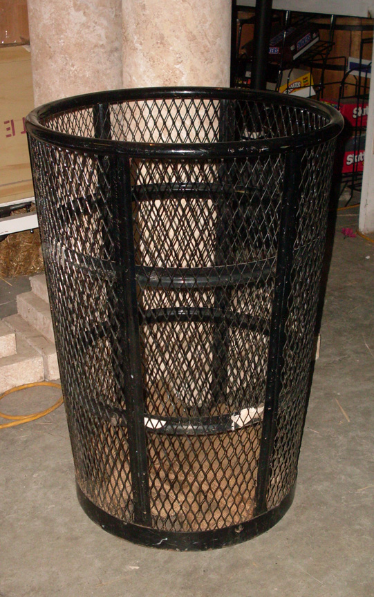 Trash Can - Wire Mesh - set of 2