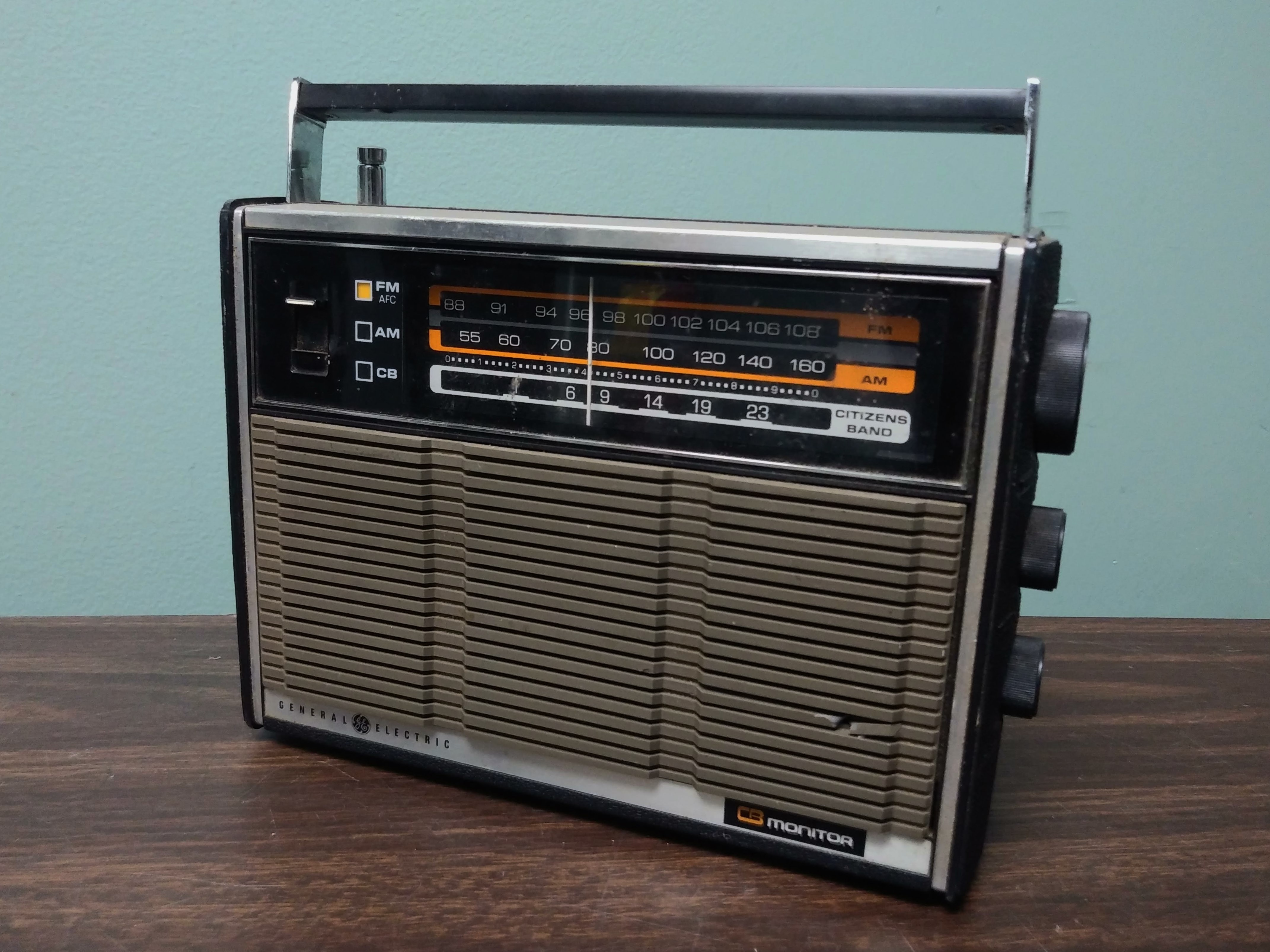 GE Portable CB Monitor