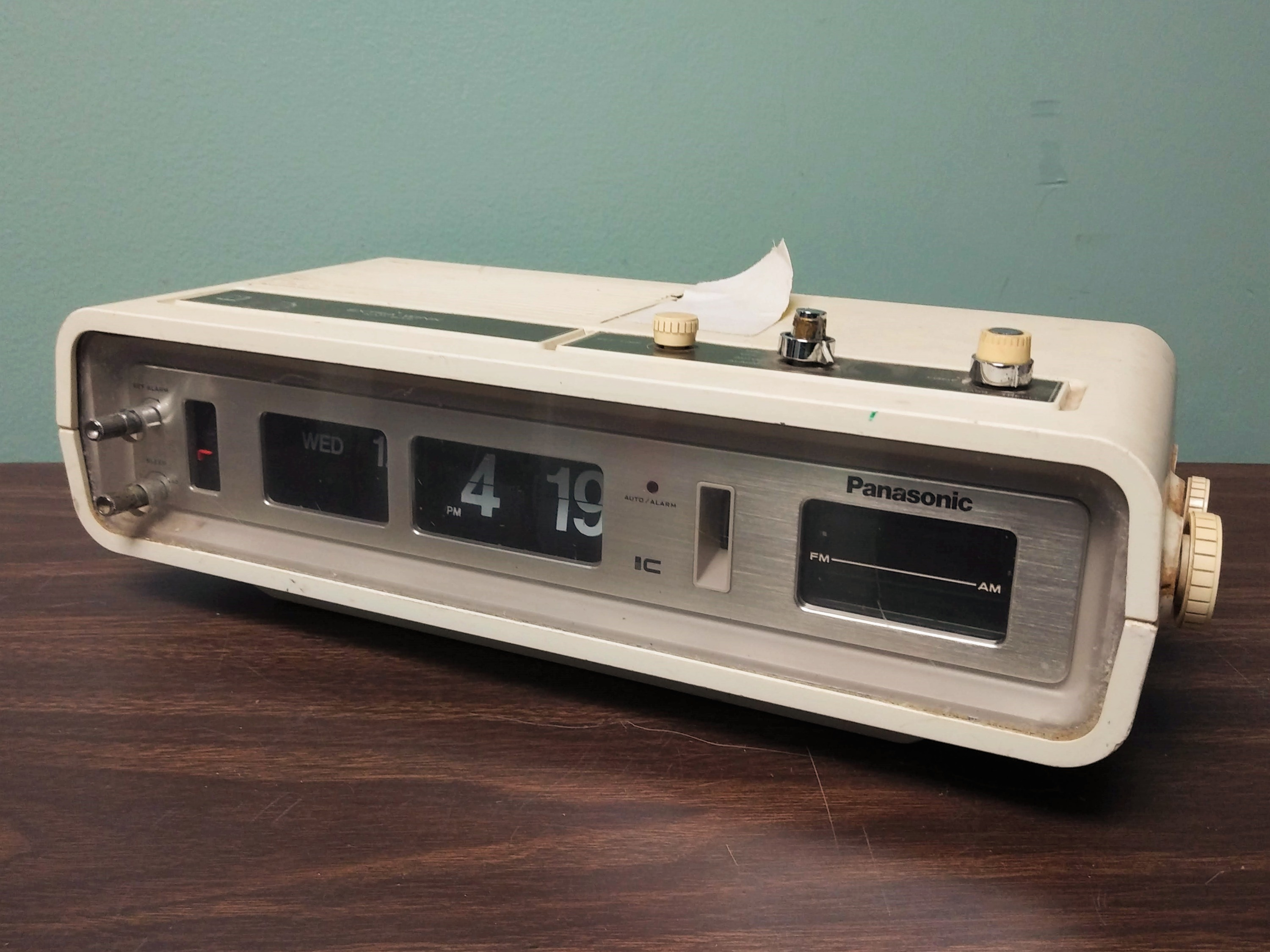 Panasonic Flip Clock Radio 1970s