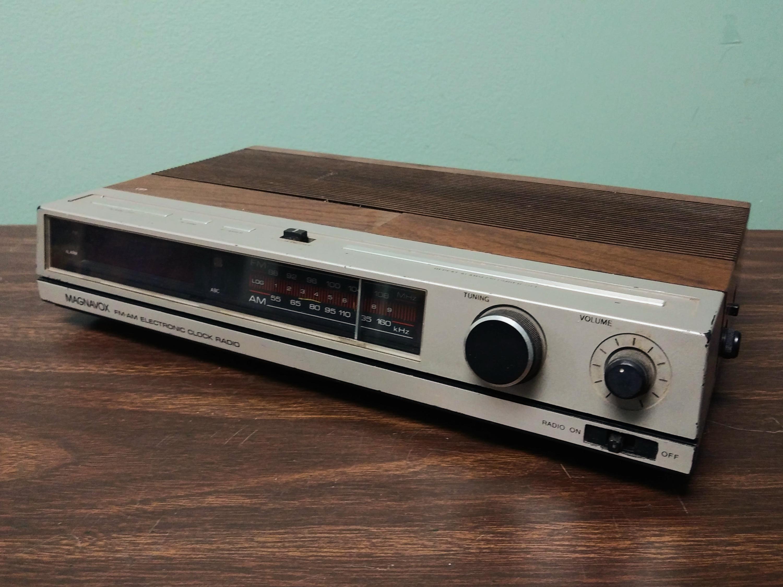 Magnavox Vintage Digital Clock Radio 1980s