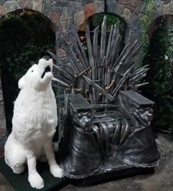 Sword Throne and White Wolf vert